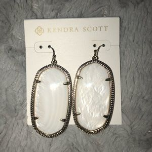 Danielle Gold Earrings In Ivory Mother Of Pearl
